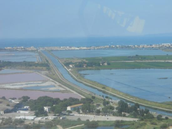 les salins, le canal, et l'étang du Repausset
